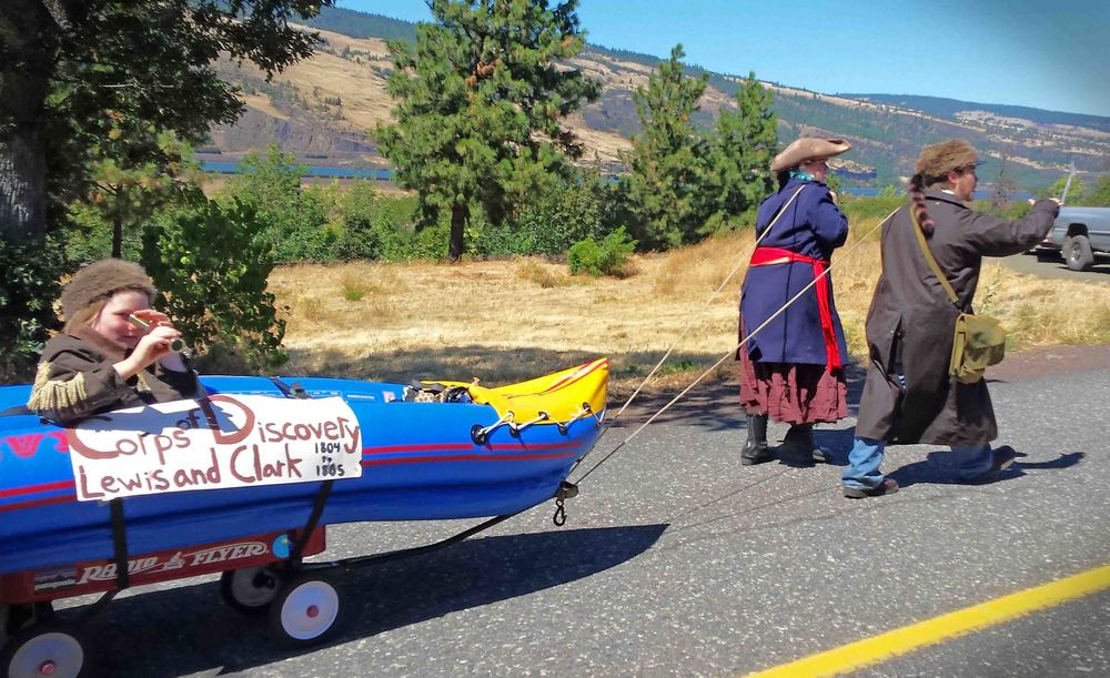 Lewis and Clark were back for the Mosier parade!