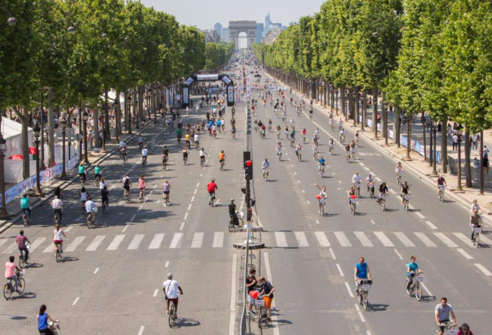 Car free for the day in Paris - Image courtesy WebUrbanist
