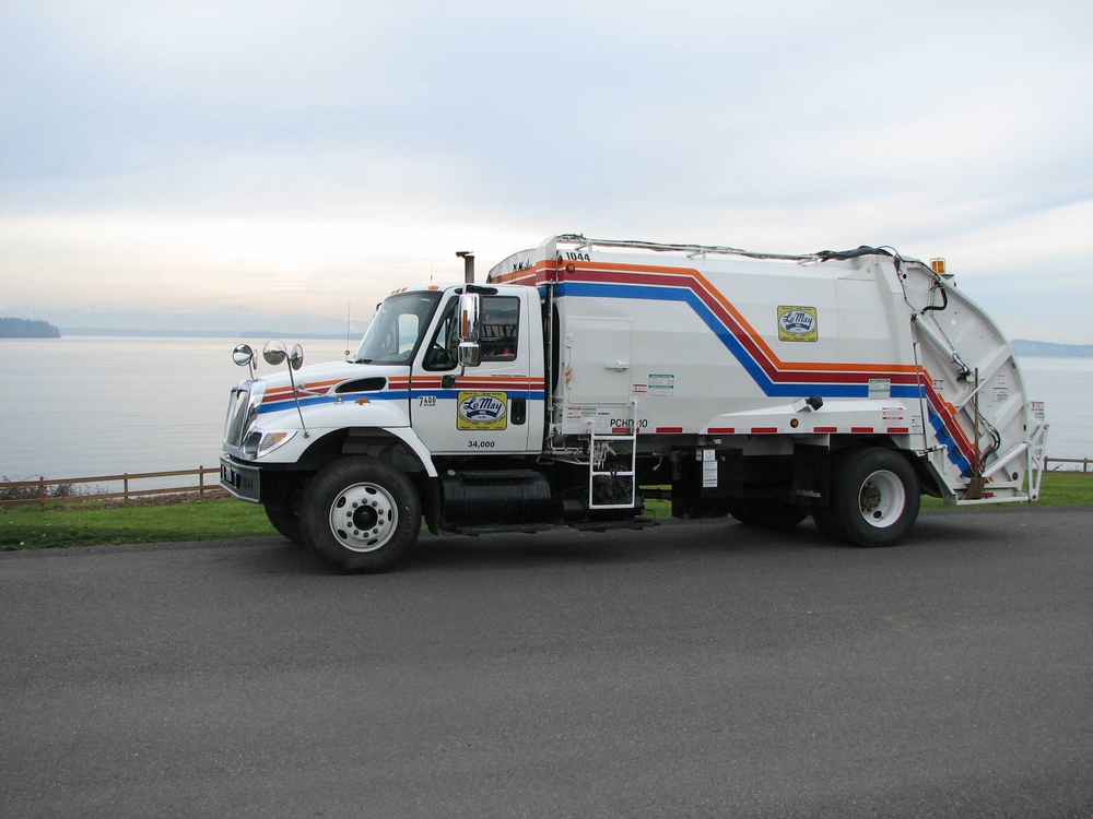 garbage truck photo.JPG