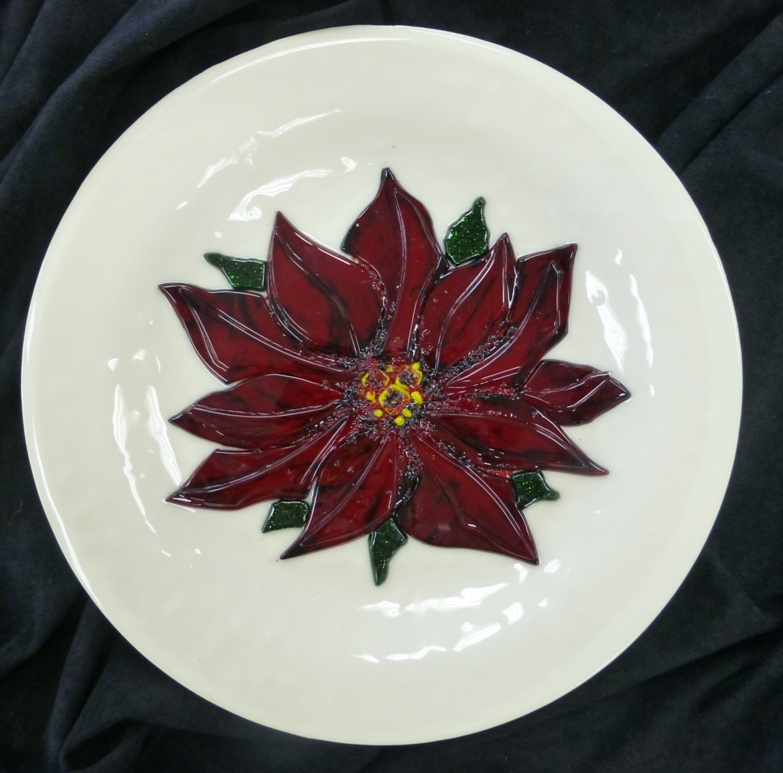 Fused Poinsettia Plate.JPG