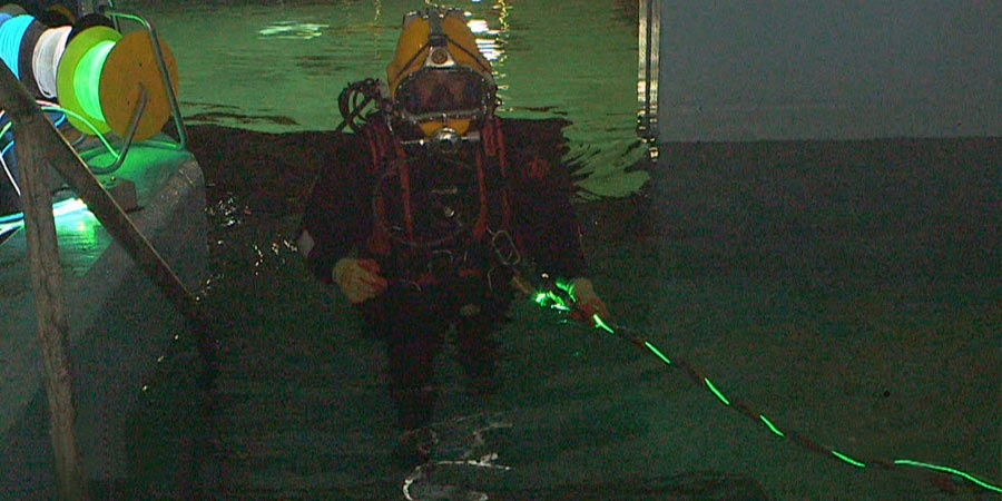 Light-path-Oil&Gas-safety-deepsea-diver-illumination