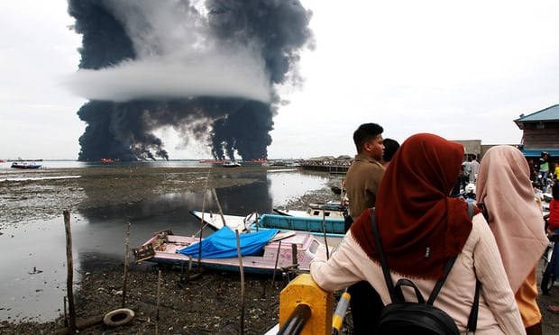 Balikpapan oil spill and fire have resulted in water contamination and air pollution. Photogra