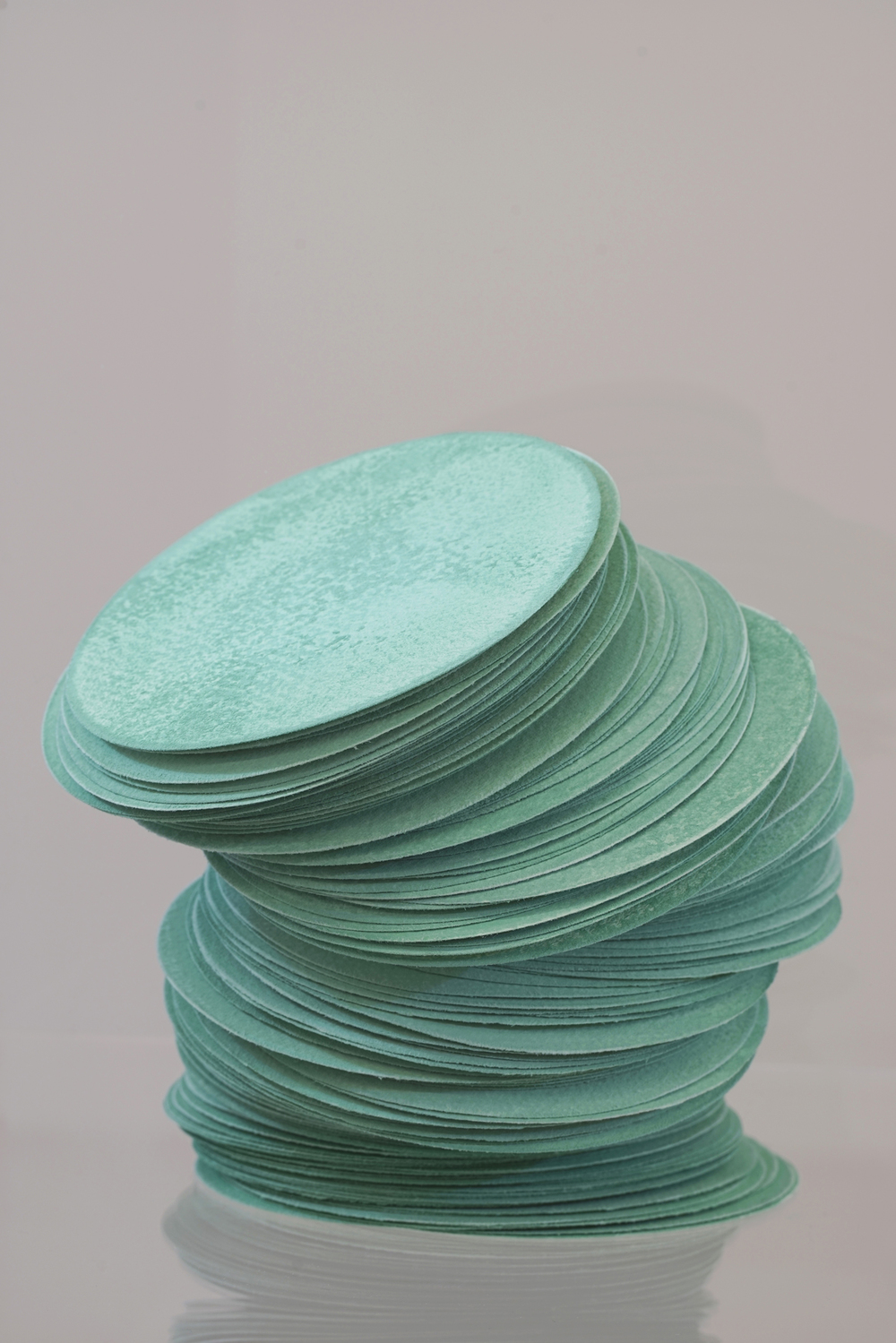 Grace TAN  n. 326 - carbonation  2015 Acid-free cotton pulp watercolour paper, Matsurokusho (malachite mineral pigment), archival EVA glue and nikawa (cow hide glue) H20 x W20 x D20 cm (artwork) H133 x W35 x D35 cm (plinth and case)