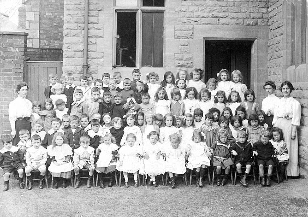 Parish Hall, Lion St as a school in 1898. During WWII evacuees were posted here to be taken in by the good folk of Hay.
