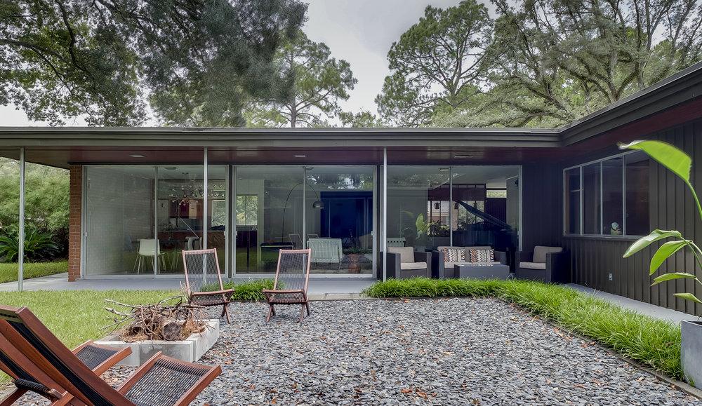 Savannah Mid-Century Modern (37 of 40).jpg