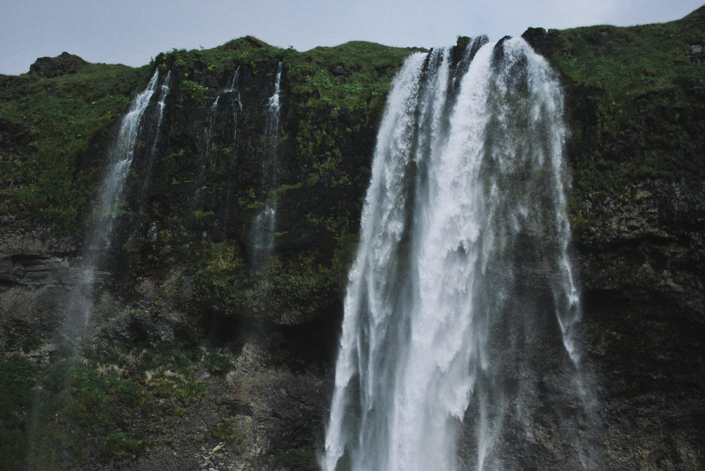 Iceland_Seljalandsfoss_upper2.jpg