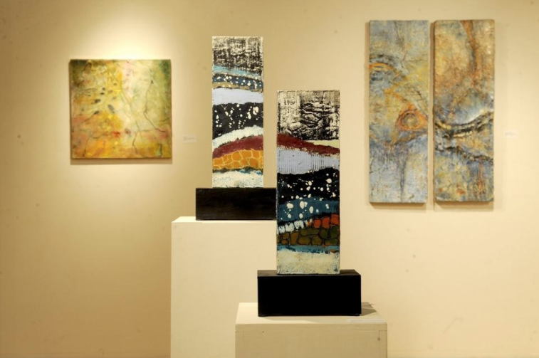 "At Fountain Street Fine Arts, Patricia Gerkin's ""Monolith #4"" (courtesy of McGowen Fine Art) described as encaustic, oil, silver leaf on panel on wood base. Daily News Staff Photo/ Art Illman"