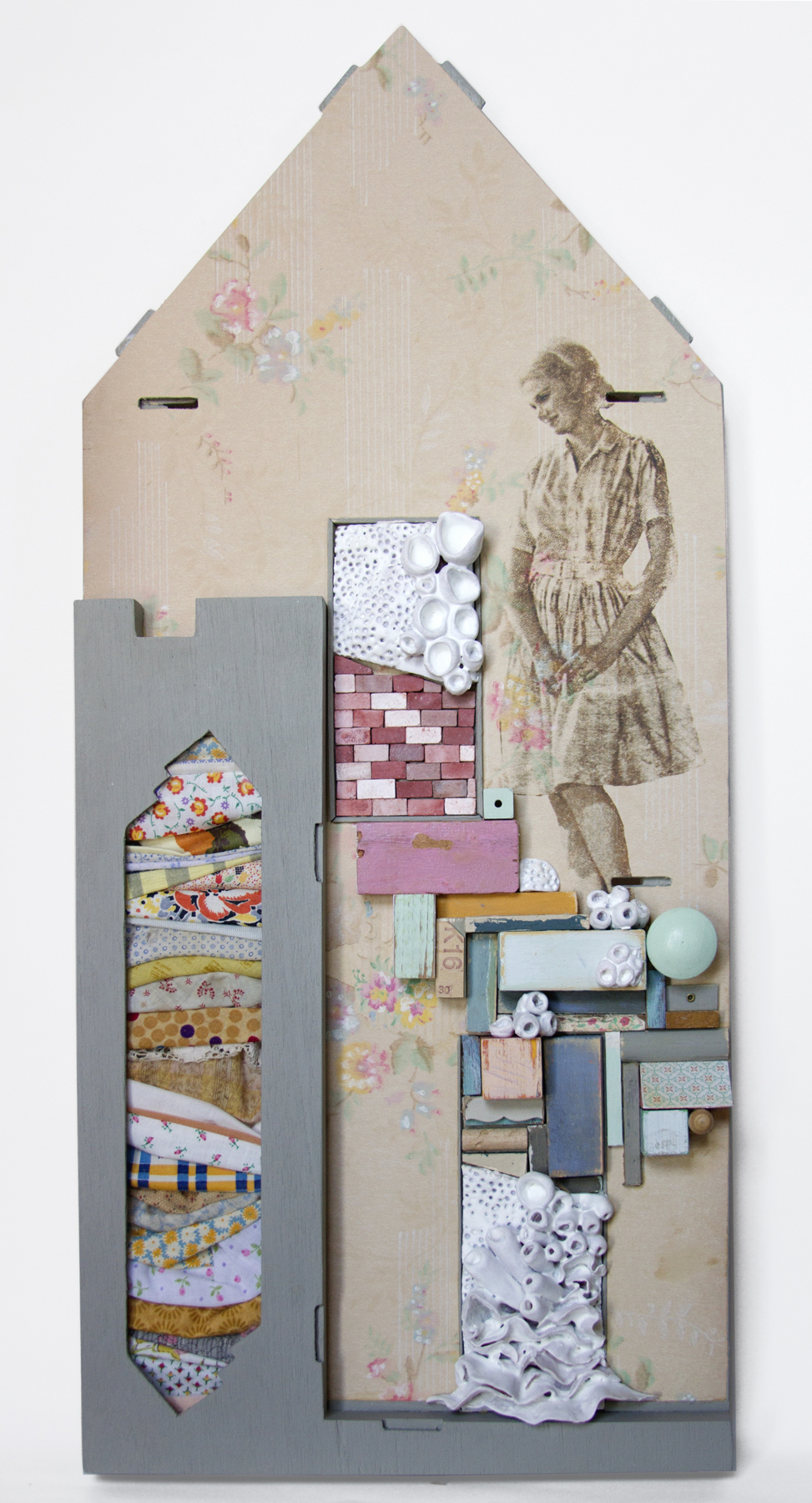 Chelsea Revelle,  Martindale: Hidden Mother Series,  Assemblage ,  25x11x2