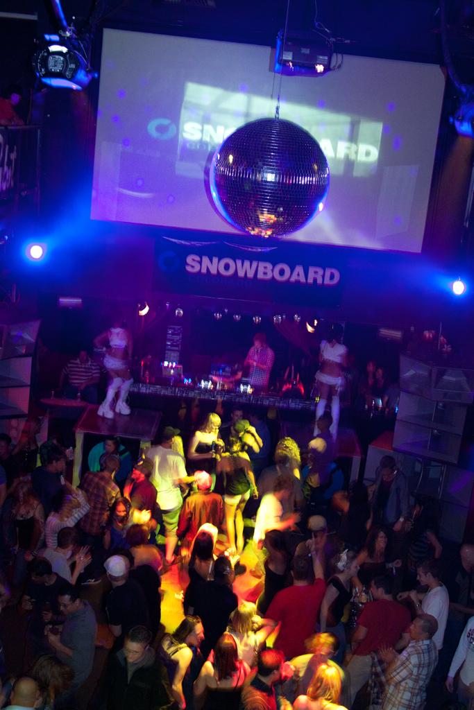 snowboard-colorado-gogo.jpg