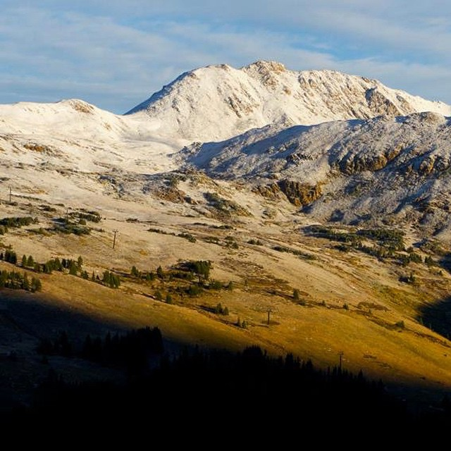 """Nice dusting of snow last night.  @lovelandskiarea  is hoping to fire up the snow guns this week  "" - @lovelandskiarea"