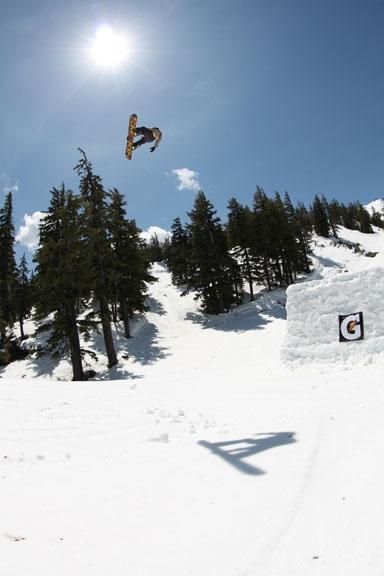 P: Smokin' Snowboards