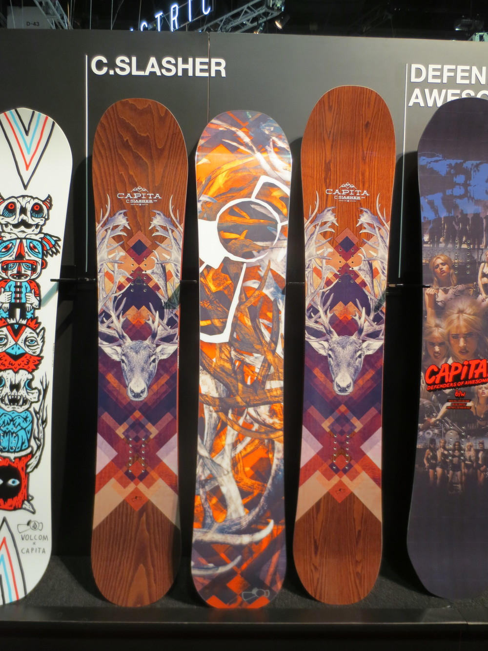 The new Capita Charlie Slasher with the antler-camo base graphic. Comes in a 154,158, 161, and 164.