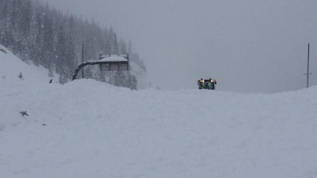 I70 buried in snow from an Avalanche near Silverthorne | P: CDOT