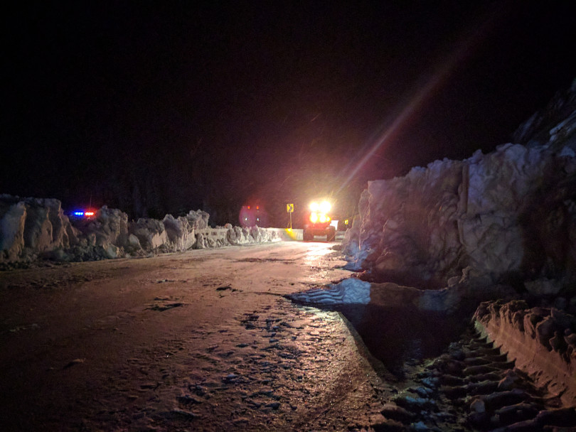 CDOT clears I70 of snow from an Avalanche | P: Colorado State Patrol - Eagle
