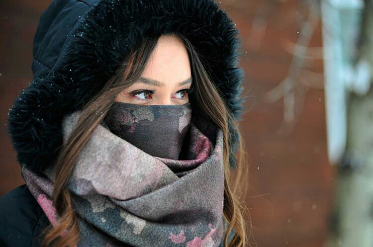 Denver Native Kaily Blackburn (@bayr) rockin'the Infinity Scarf with a Double Layer Thermal