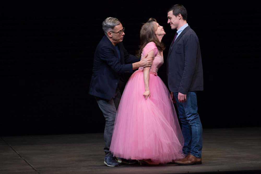 glass-menagerie-production-photo-broadway-2017-joe-mantello-sally-field-and-finn-wittrock-in-the-glass-menagerie-photo-by-julieta-cervantes-hr.jpg