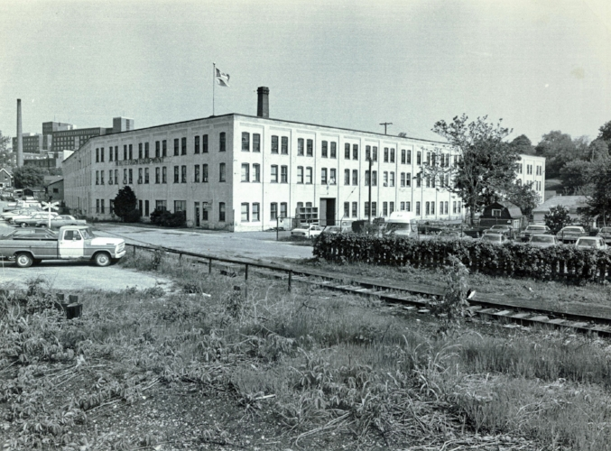 Brantford Carriage factory on Pearl Street. Used as a warehouse for White Farm Equipment before it was sold and demolished.