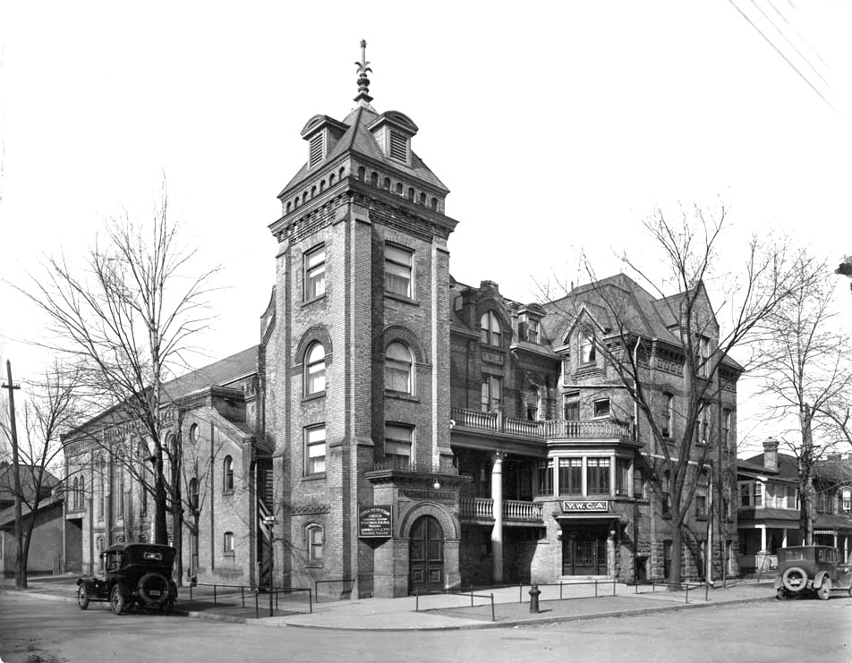 YWCA on Wellington Street at George Street. Site of the Brantford City Hall.  Image courtesy of the Brant Historical Society