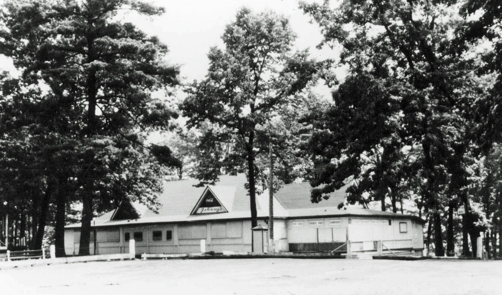 Mohawk Park Dance Pavilion. Vandalism, drinking, and rowdyism at the weekly dances in 1959 caused the City to padlock the concession stand and dance pavilion in September.  Image courtesy of the Brant Historical Society