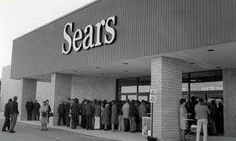 Shoppers queued up for the opening of Sears at the Lynden Park Mall on 1-May-1974.  Image courtesy of the Brant Historical Society