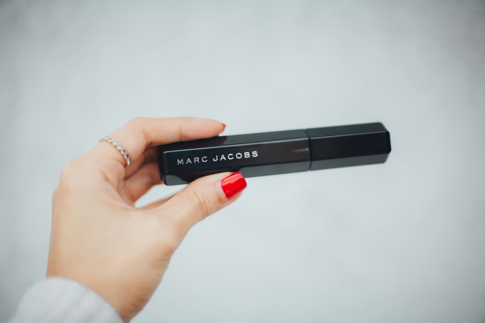 This Jenn Girl - Marc Jacobs Velvet Noir Mascara 1
