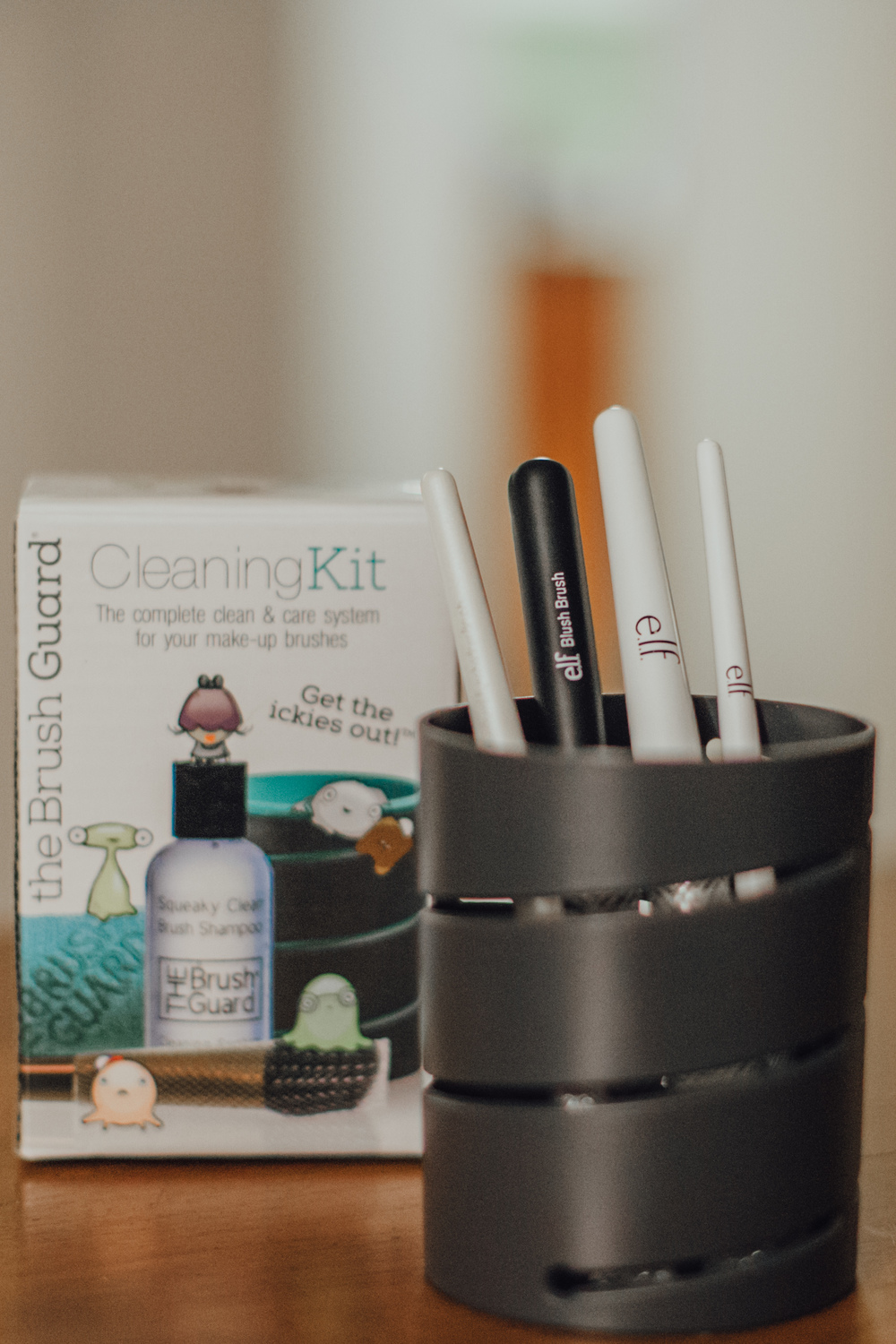 This Jenn Girl - The Brush Guard Cleaning Kit 8