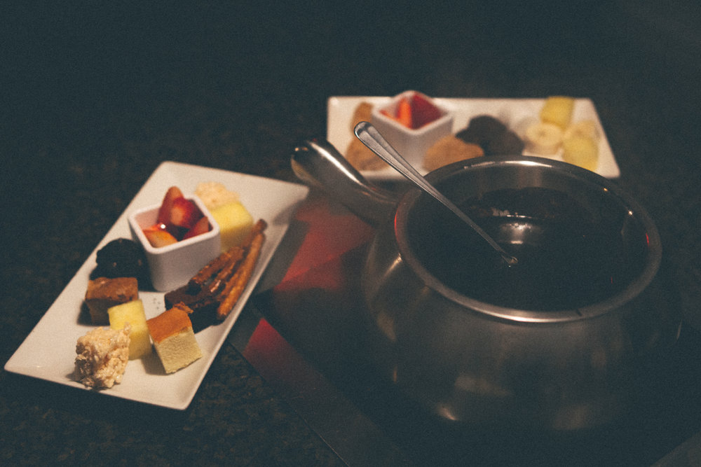 Dark & Dulce Chocolate Fondue