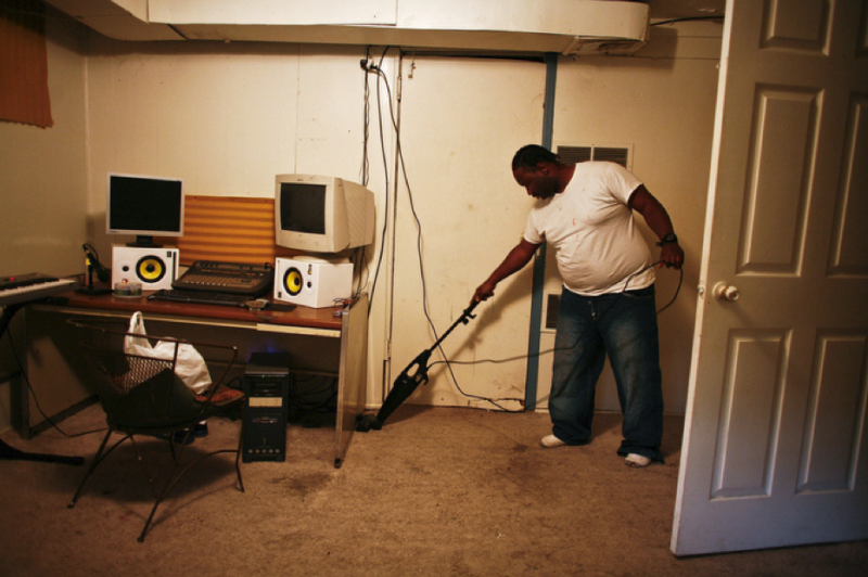 Palmz cleans a studio