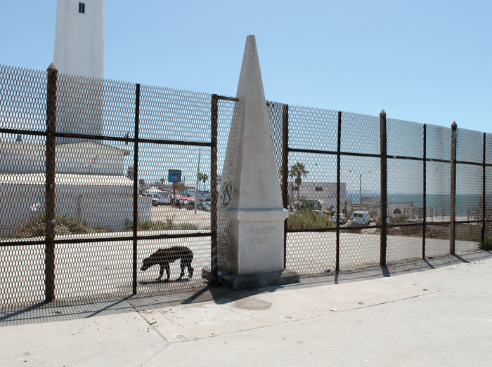 Border Monument No.258 - N 32° 32.072' W 117° 07.36