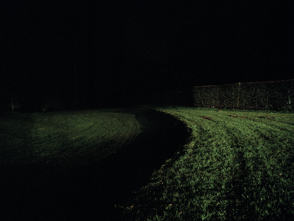 016.Feugère-Lawn at night.jpg