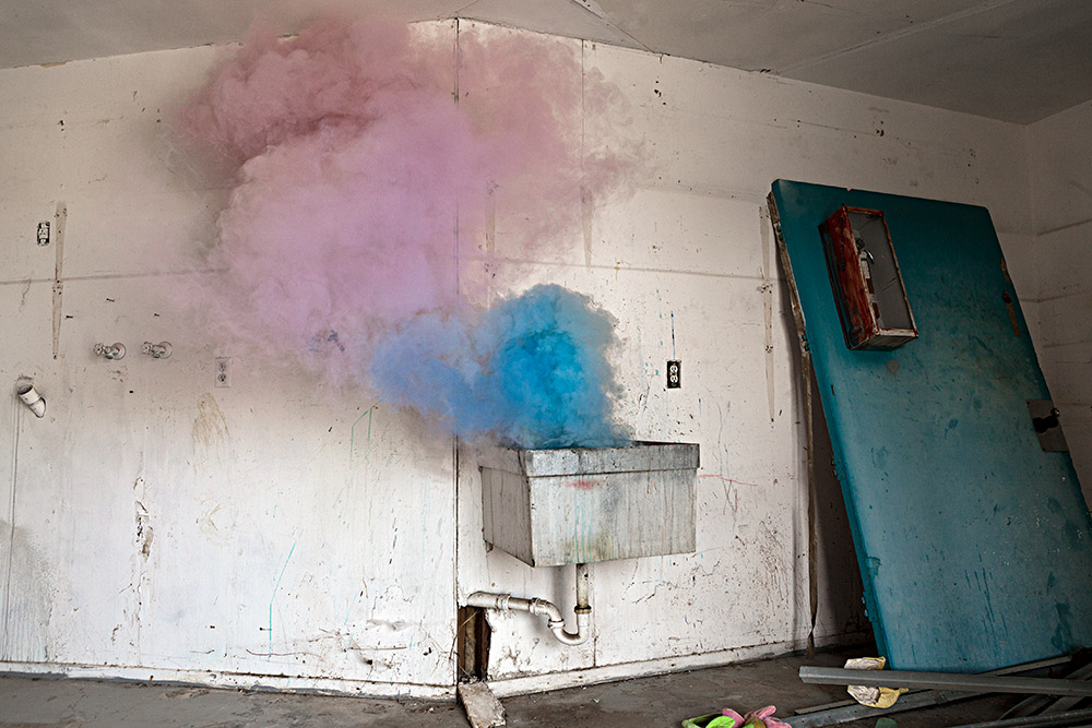 Smoking sink