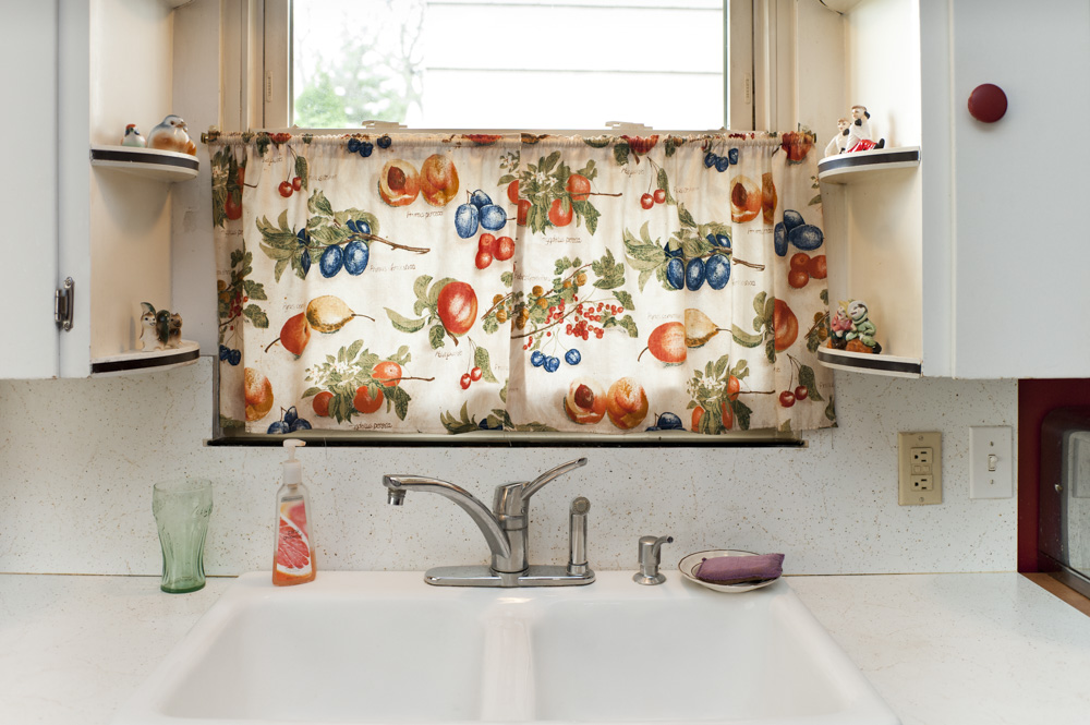 Kitchen Curtains with Fruit, 2011