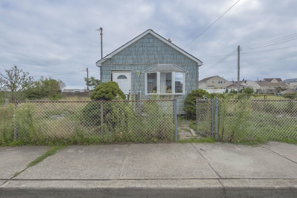 House by Itself, Broad Channel, Queens