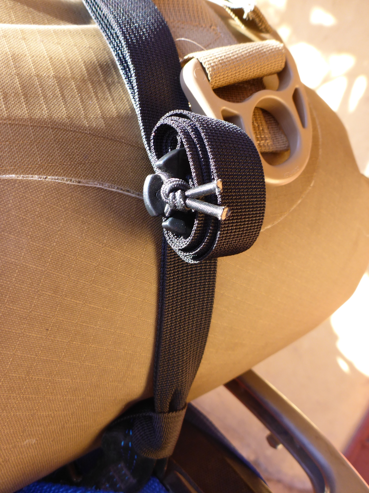 Mondo UL Slack manager and Girth Hitch Detail