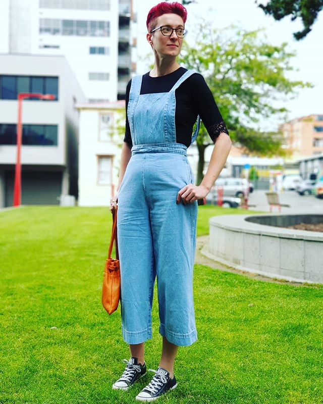 Looking hawt in her new dungerees #style #nzstyle #fashion #womensfashion