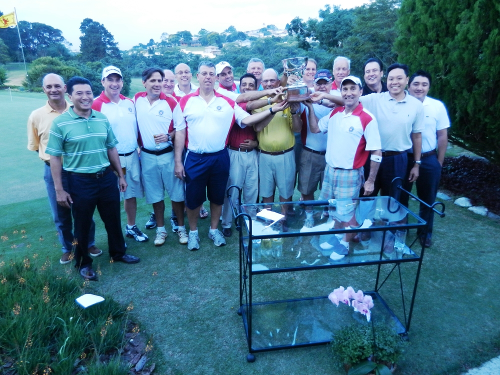 Amsoc Team with Munro Cup.JPG