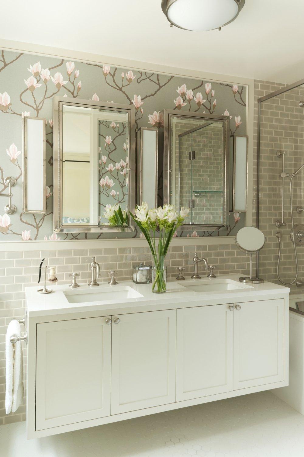 Lincoln Apartment Master Bathroom