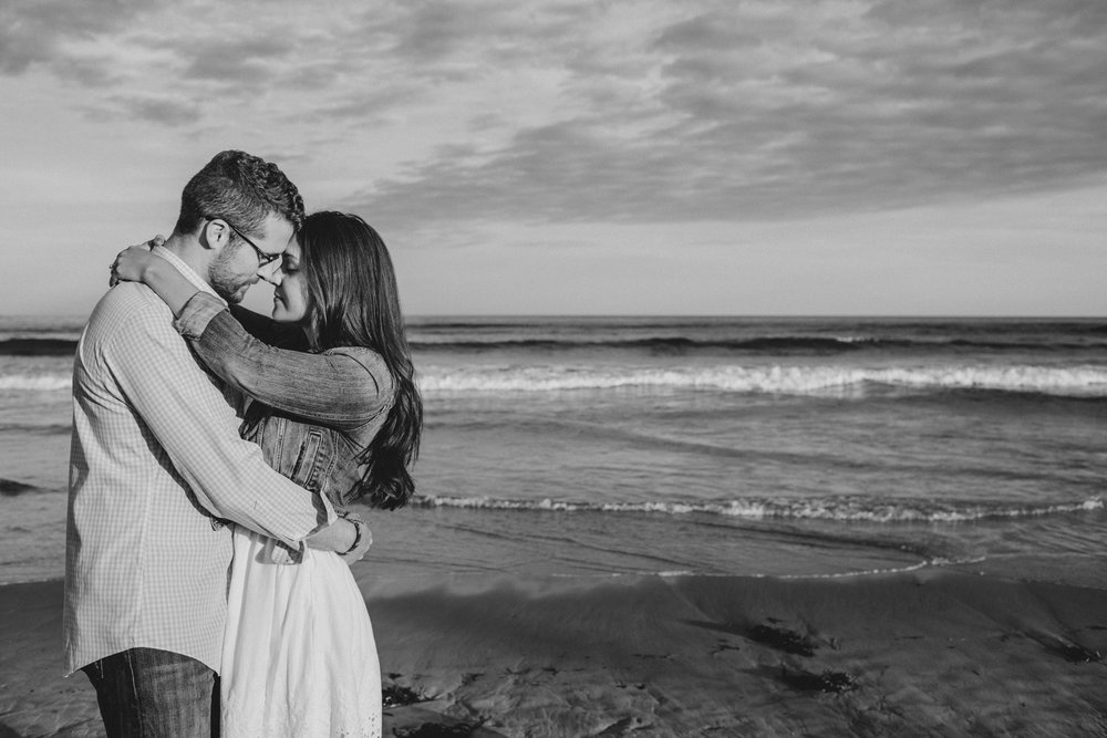romantic engagement photos in maine