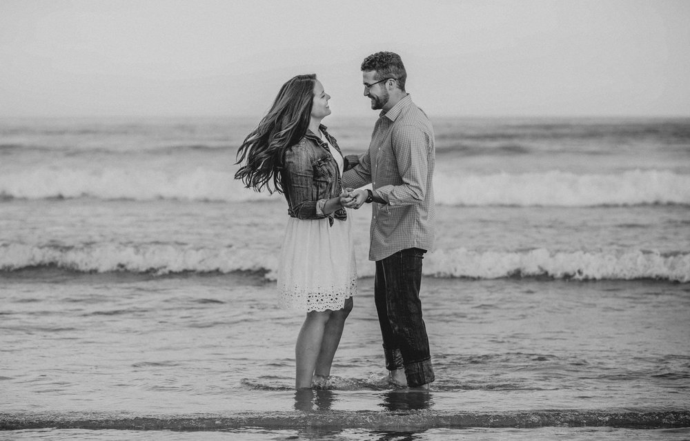 lovely couple engagement photos beach