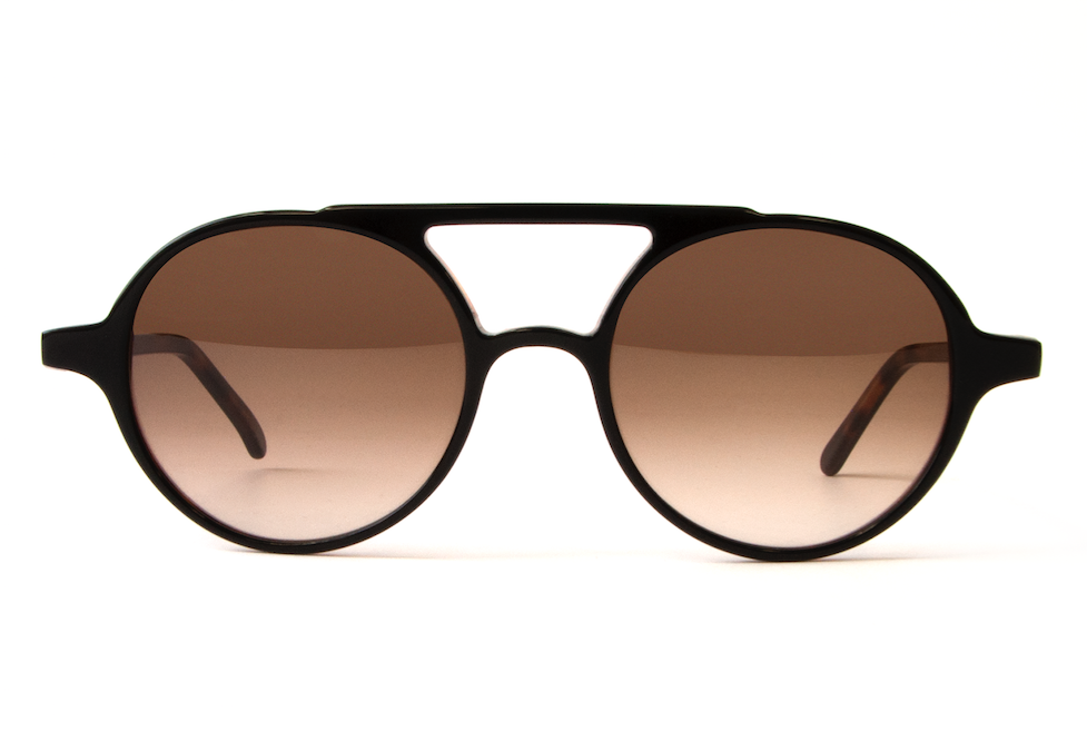 VOYAGER BLACK ON TORTOISE BROWN GRADIENT LENSES