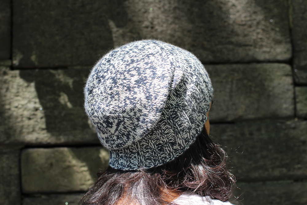 Use the length of the hat to achieve your perfect slouchy style or...