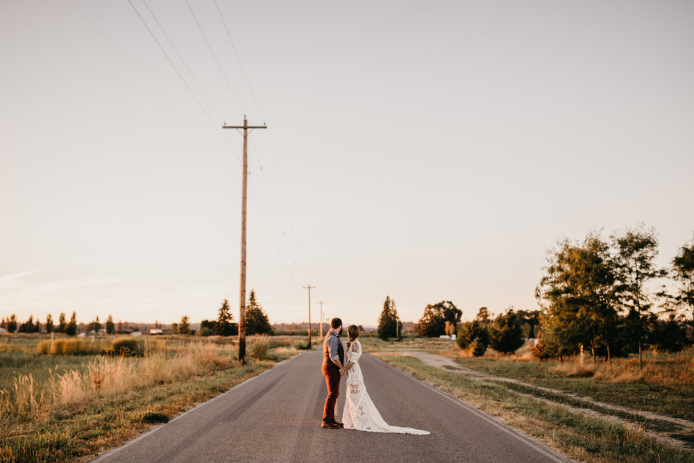 Max&SamPhoto_Seattle Wedding Photographer_Dairyland_23.jpg