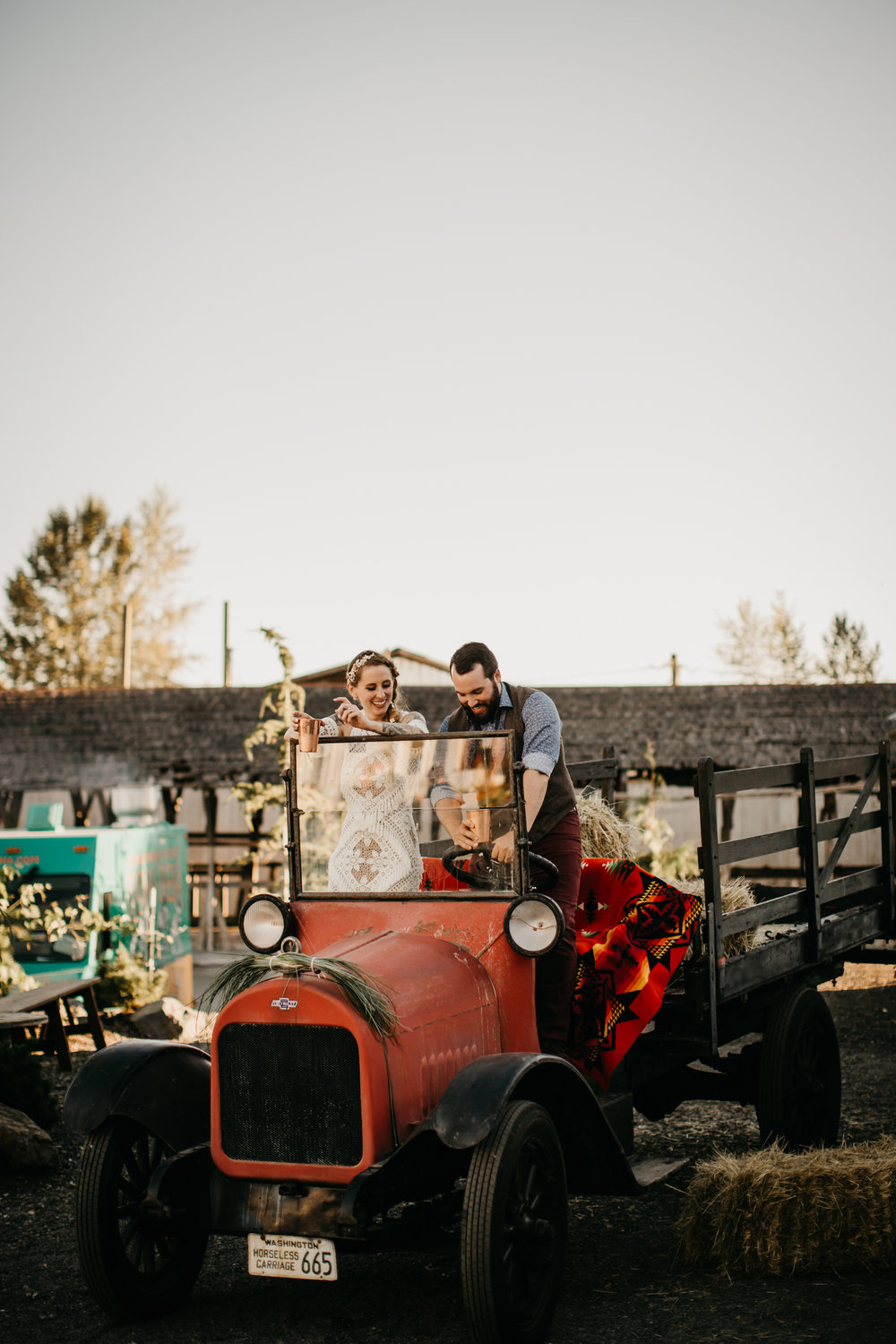 Max&SamPhoto_Seattle Wedding Photographer_Dairyland_04.jpg