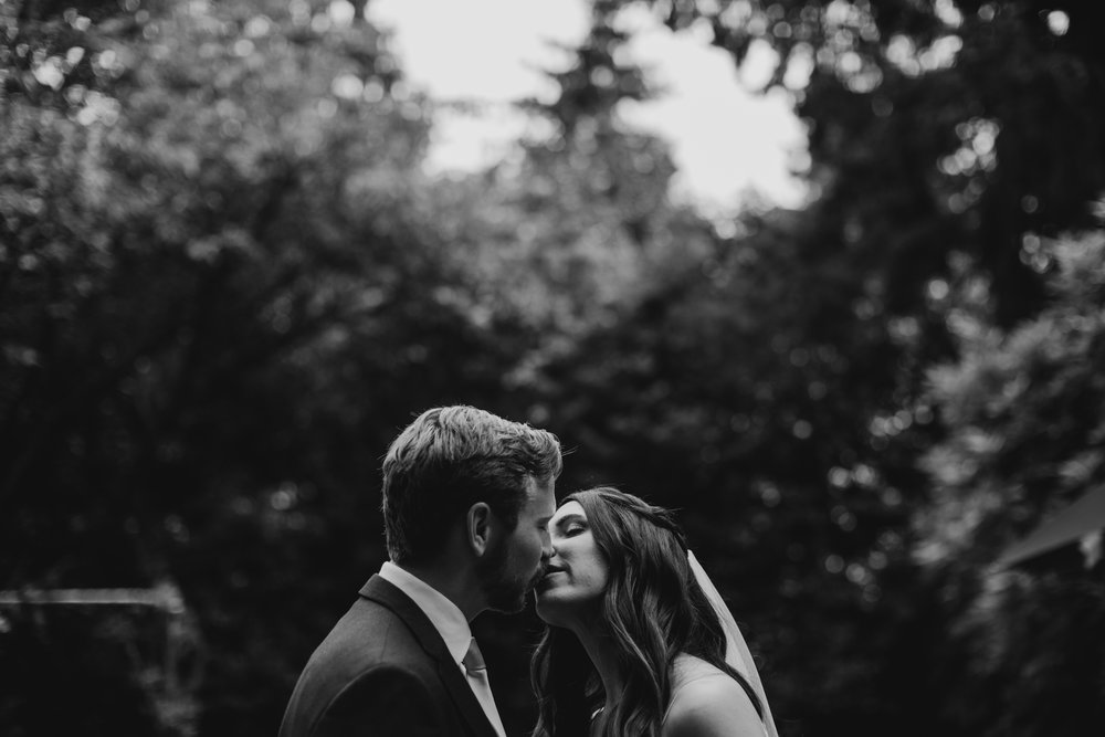 Max&SamPhoto_Seattle Wedding Photographer_Bellevue Robinswood House_039.jpg