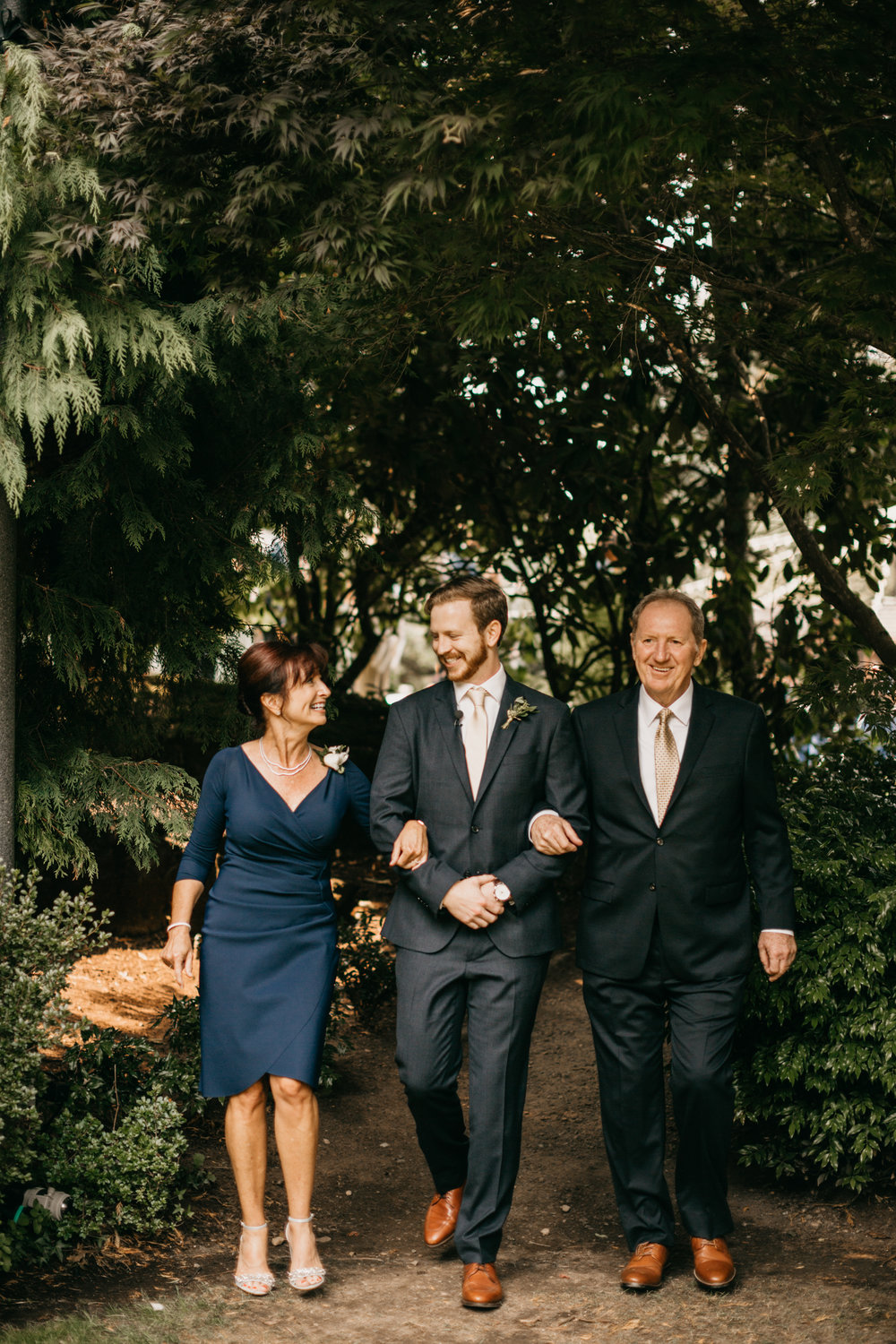 Max&SamPhoto_Seattle Wedding Photographer_Bellevue Robinswood House_061.jpg