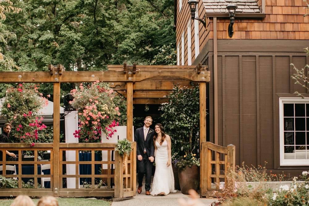 Max&SamPhoto_Seattle Wedding Photographer_Bellevue Robinswood House_011.jpg