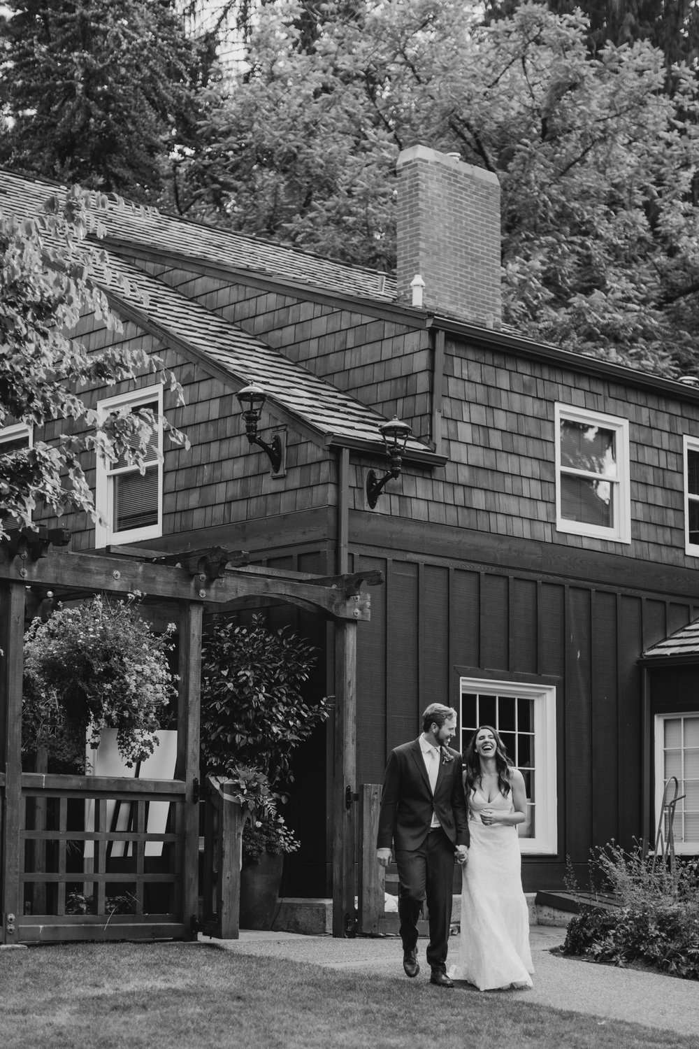 Max&SamPhoto_Seattle Wedding Photographer_Bellevue Robinswood House_012.jpg