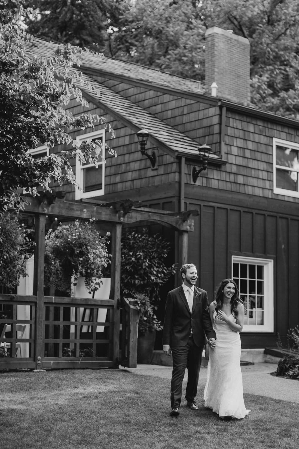 Max&SamPhoto_Seattle Wedding Photographer_Bellevue Robinswood House_013.jpg