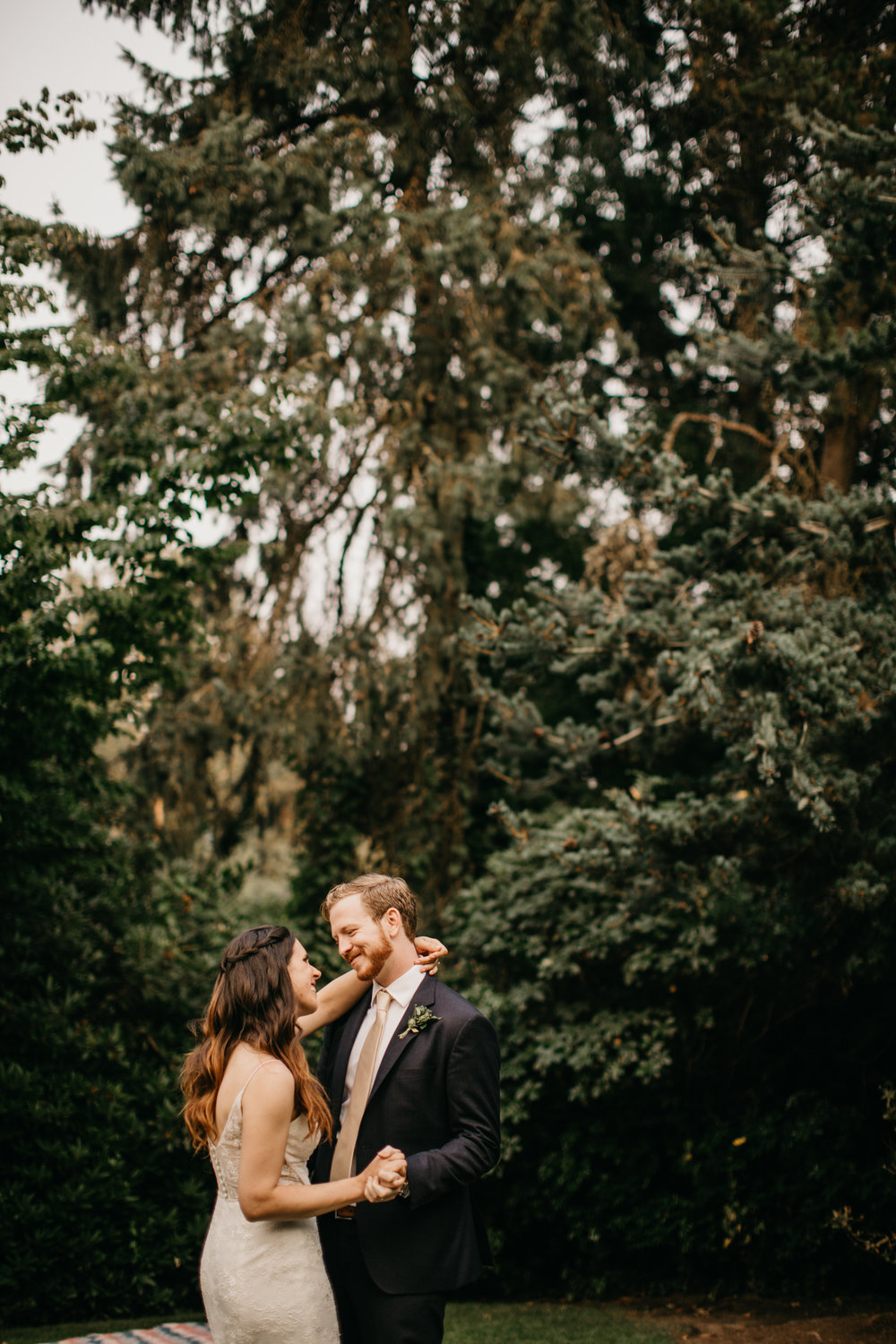 Max&SamPhoto_Seattle Wedding Photographer_Bellevue Robinswood House_041.jpg