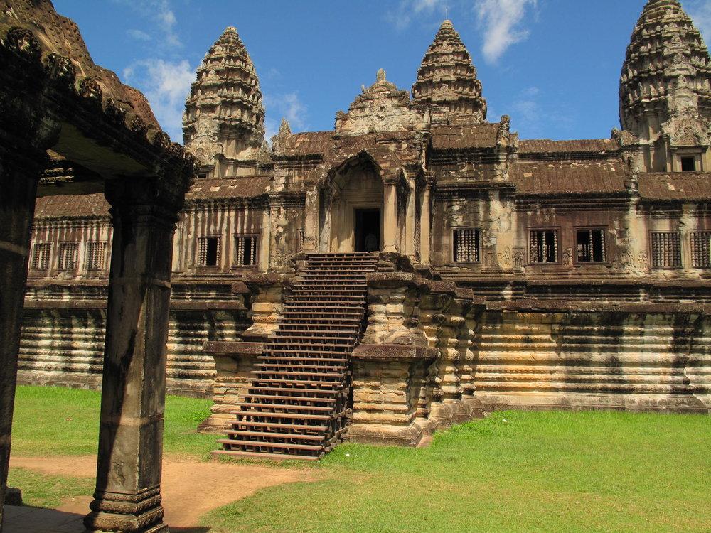 5.OK-angkor-wat-temple-cambodia.jpg